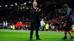 HLV Mourinho thất thần khi MU thua thảm Tottenham