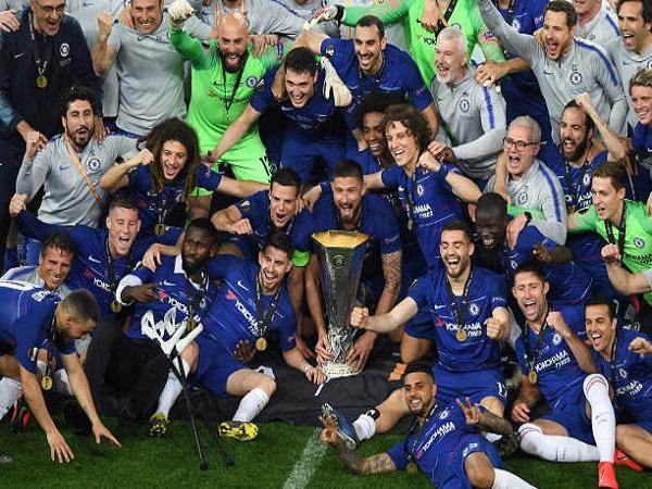 Nhấn chìm Arsenal, Chelsea vô địch Europa League