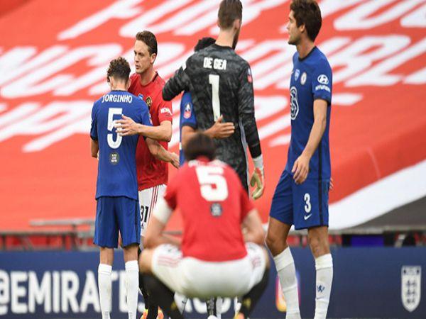 Chelsea đụng Arsenal ở chung kết FA Cup