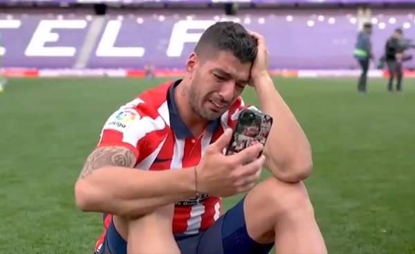 Nước mắt của Suarez & Barca lặp lại sai lầm như với David Villa